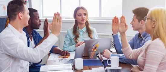 La décision fixant la rémunération du gérant d'une SARL peut valablement être prise après qu'elle a été versée dès lors que les statuts ne prévoient un versement ni a priori, ni a posteriori.