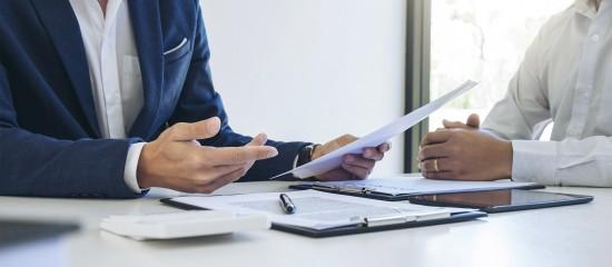 Le vendeur professionnel n'est pas tenu à un devoir de conseil à l'égard d'un acheteur qui dispose déjà de connaissances techniques étendues et suffisantes sur le produit.