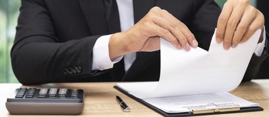 Un cautionnement consenti au profit d'un créancier professionnel n'est pas valable lorsque la personne qui se porte caution n'indique pas la dénomination sociale de l'entreprise débitrice dans la mention manuscrite qu'elle inscrit dans l'acte.