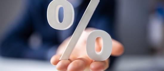 Lorsque l'indice de référence d'un crédit immobilier à taux variable passe en territoire négatif, l'emprunteur ne peut pas recevoir des intérêts de la part de la banque prêteuse.