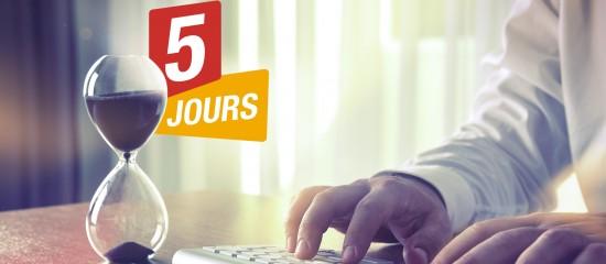 Le délai de 5jours ouvrables dont bénéficie le salarié pour préparer son entretien préalable au licenciement débute le lendemain de la réception ou de la remise de la lettre de convocation et, dès lors qu'il expire un samedi, doit être prorogé jusqu'au premier jour ouvrable suivant.