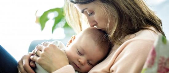 À compter de2020, les travailleuses indépendantes devront demander les prestations liées à la maternité à leur CPAM.