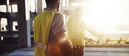 Afin de pallier les difficultés de recrutement de salariés, les règles relatives au prêt de main-d'œuvre entre entreprises sont assouplies jusqu'au31décembre2020.