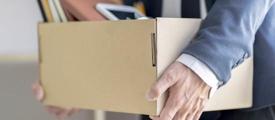 L'employeur qui souhaite rompre la période d'essai d'un salarié doit l'en informer directement oralement ou par écrit.
